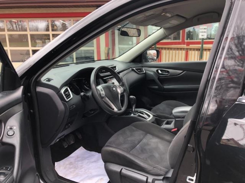 Nissan Rogue 2015 price $16,488