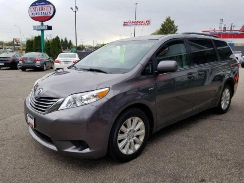 Toyota Sienna 2016 price $18,995