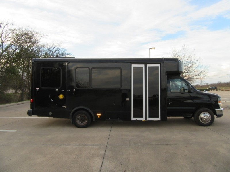 Ford E450 Luxury Limo Bus 2013 price $16,900