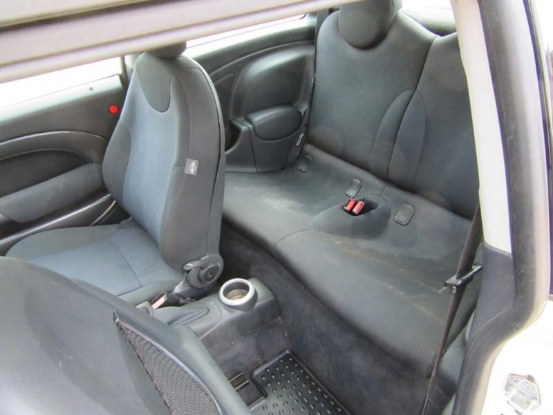 Mini Cooper Hardtop 2006 price $4,450