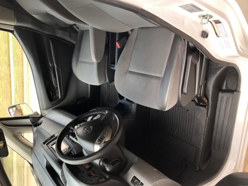 Nissan NV200 Compact Cargo 2018 price $14,650