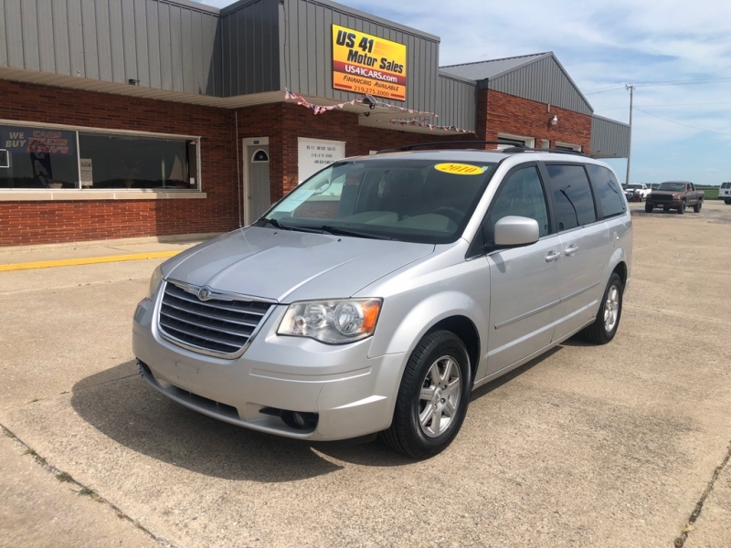 CHRYSLER TOWN & COUNTRY 2010 price $6,495