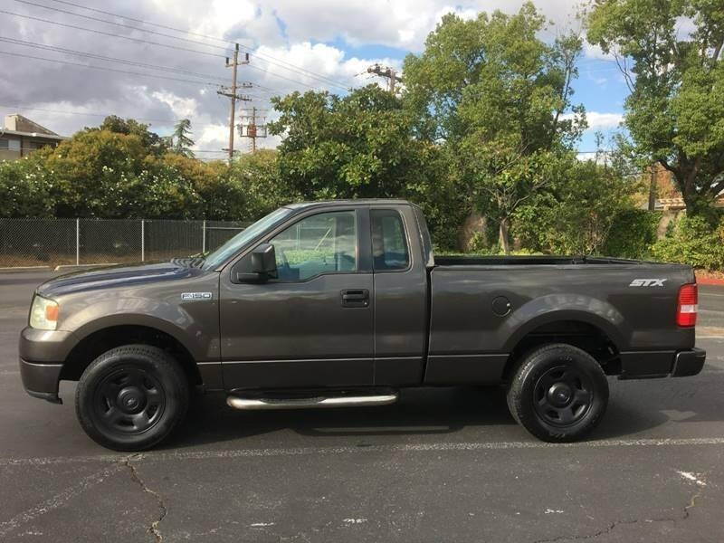 Ford F-150 2005 price $6,400