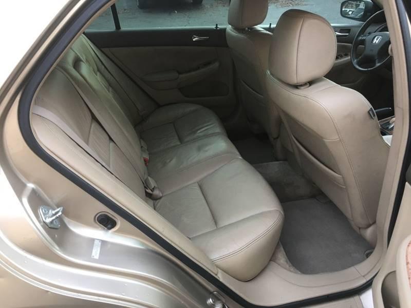 Honda Accord 2004 price $3,600