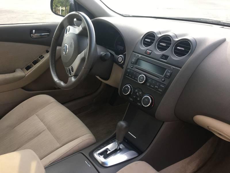 Nissan Altima 2011 price $5,400