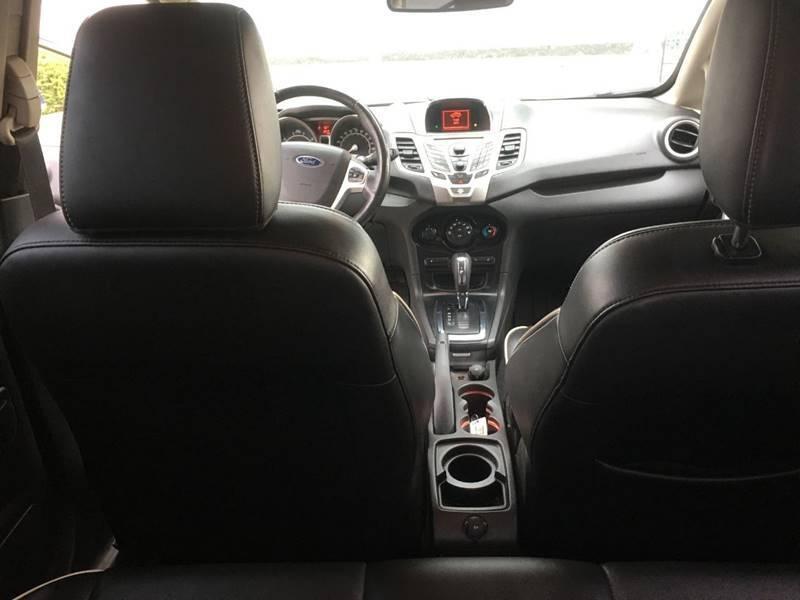 Ford Fiesta 2011 price $4,450