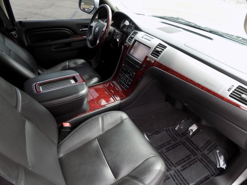 Cadillac Escalade 2013 price $24,888