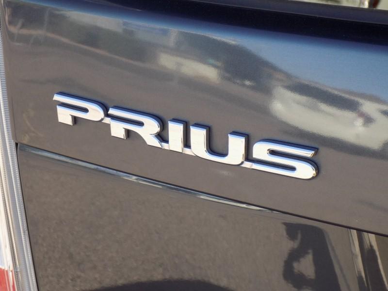 Toyota Prius 2013 price $9,888