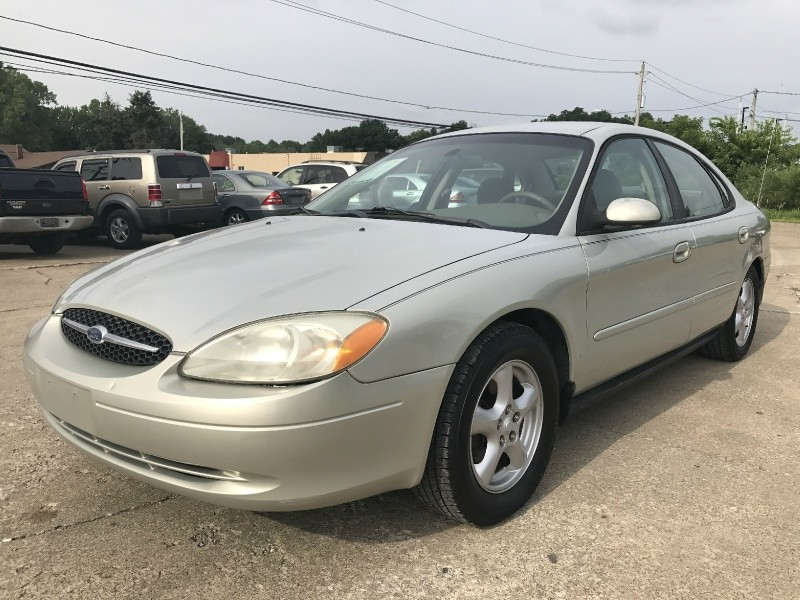 2003 ford taurus se loaded new tires w only 100k miles 1st quality auto mall auto dealership. Black Bedroom Furniture Sets. Home Design Ideas