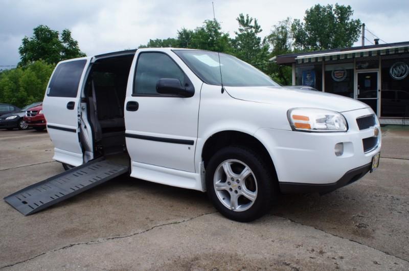 2008 Chevrolet Uplander Handicap Wheelchair Van New Tires