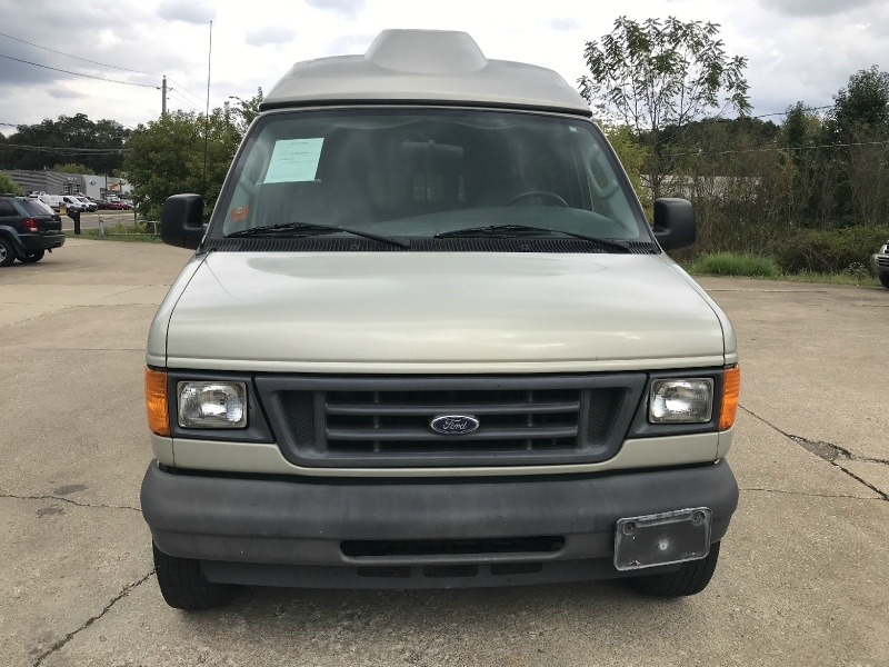 Ford Econoline Wagon 2005 price SOLD