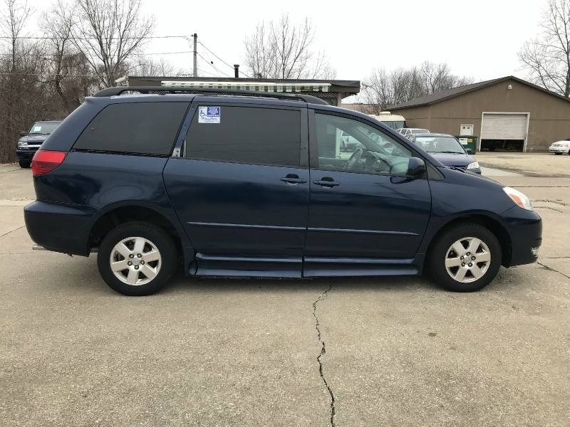 Toyota Sienna 2004 price SOLD