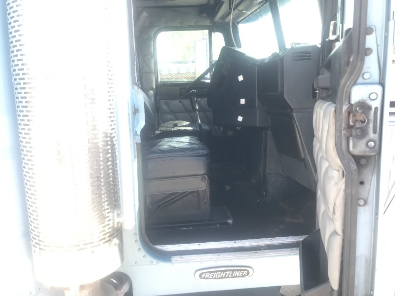 Freightliner FLD CLASSIC XL 2000 price SOLD