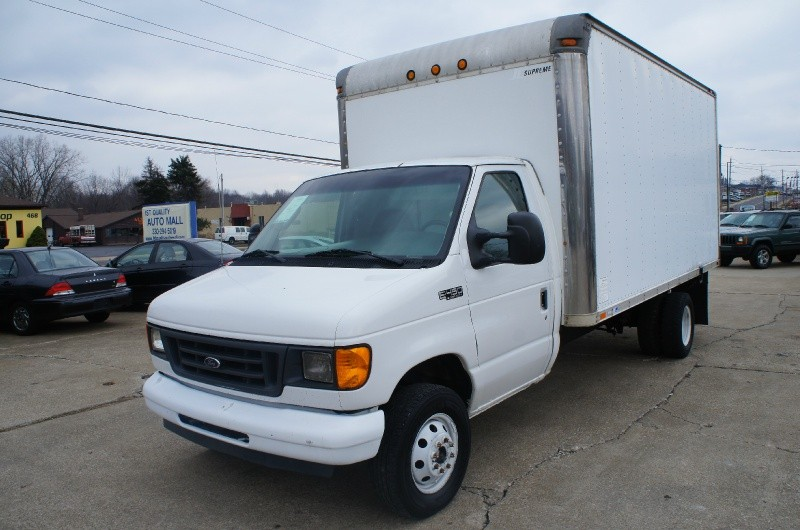 2003 ford e450 dually 7 3 diesel powerstroke box truck drw 1st quality auto mall auto. Black Bedroom Furniture Sets. Home Design Ideas