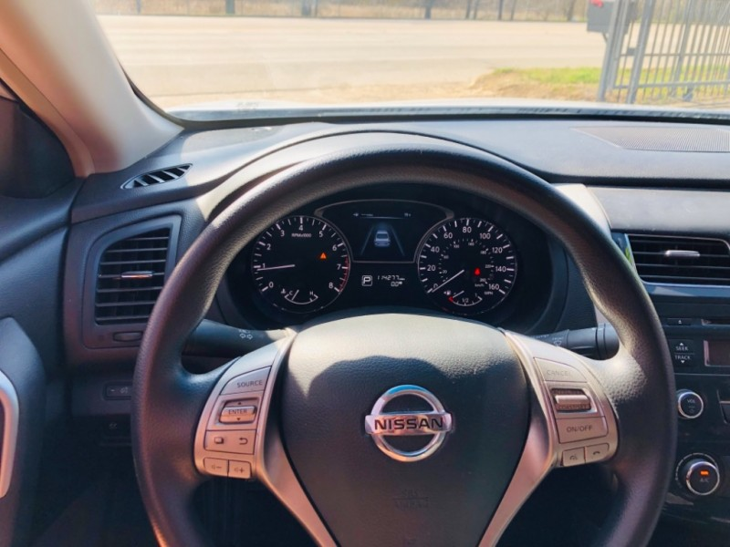 Nissan Altima 2013 price $1,400