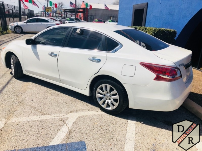 Nissan Altima 2013 price $999