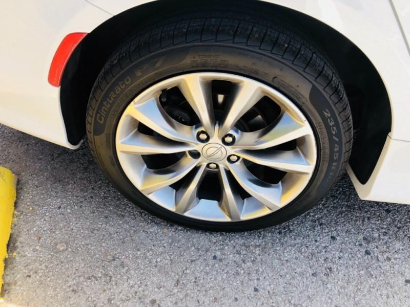 Chrysler 200-Series 2015 price $1,900 Down