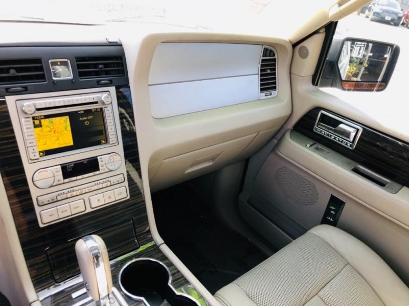 Lincoln Navigator 2010 price $1,900 Down