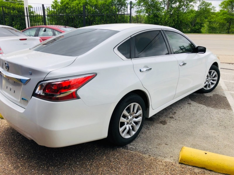 Nissan Altima 2014 price $1,400