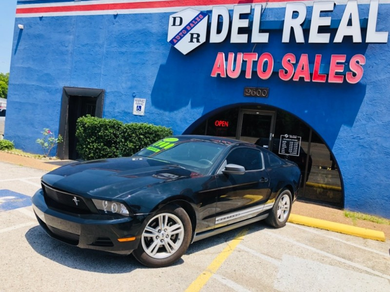 Ford Mustang 2010 price $1,800