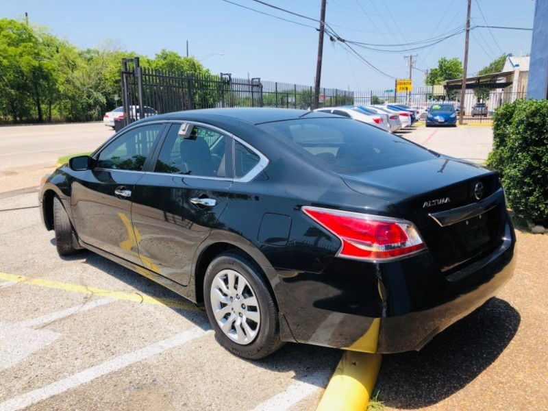 Nissan Altima 2015 price $1,500 Down