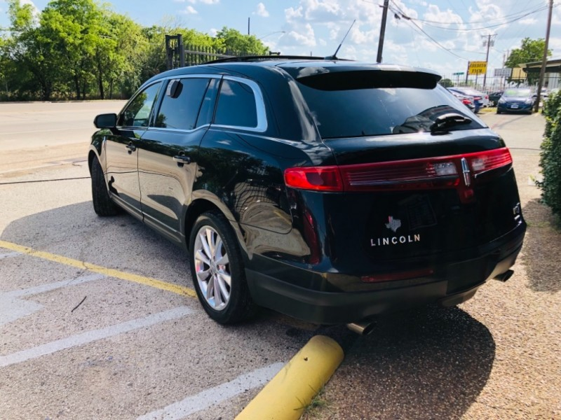 Lincoln MKT 2012 price $2,300