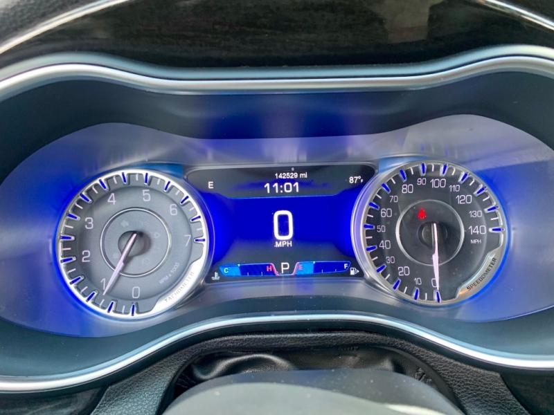 Chrysler 200-Series 2015 price $1,800