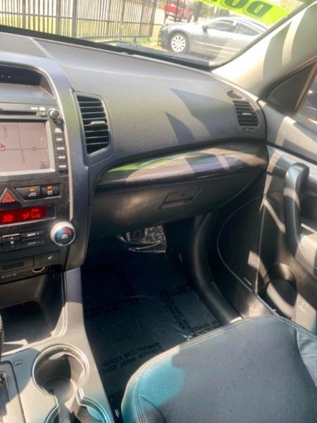 Kia Sorento 2012 price $1,700