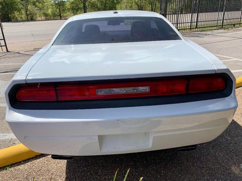 Dodge Challenger 2013 price $2,000