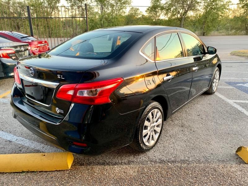 Nissan Sentra 2016 price $1,900