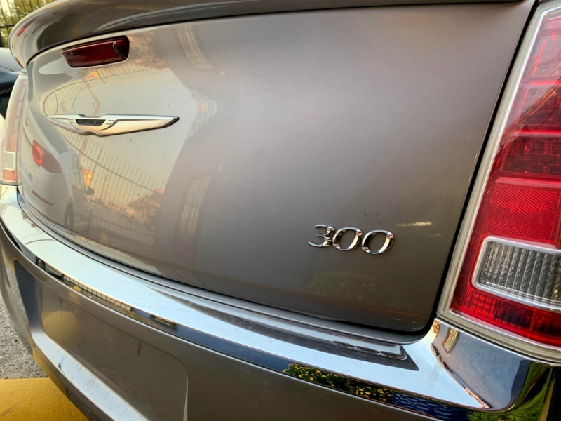Chrysler 300 2013 price $1,900 Down
