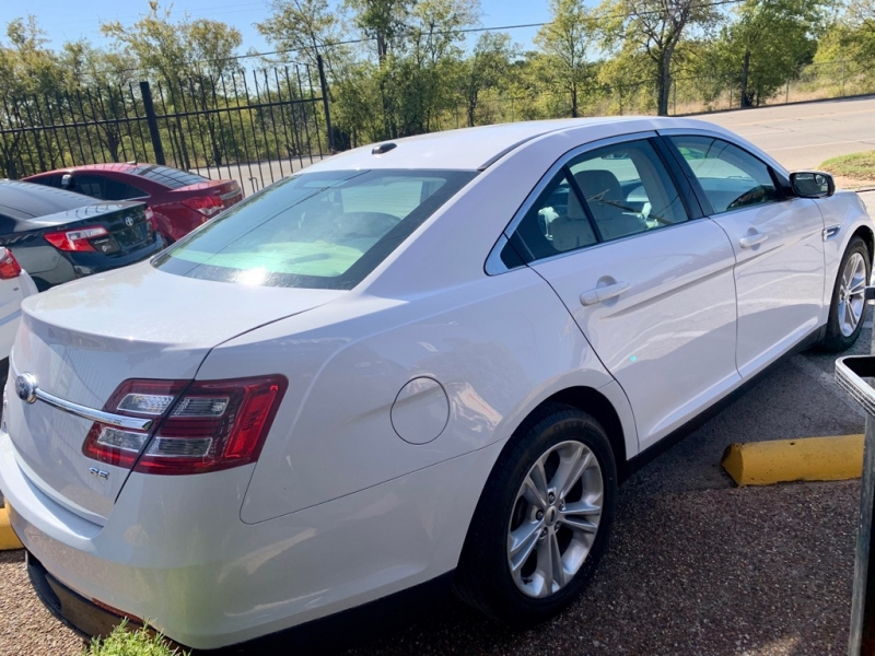 Ford Taurus 2013 price $1,600