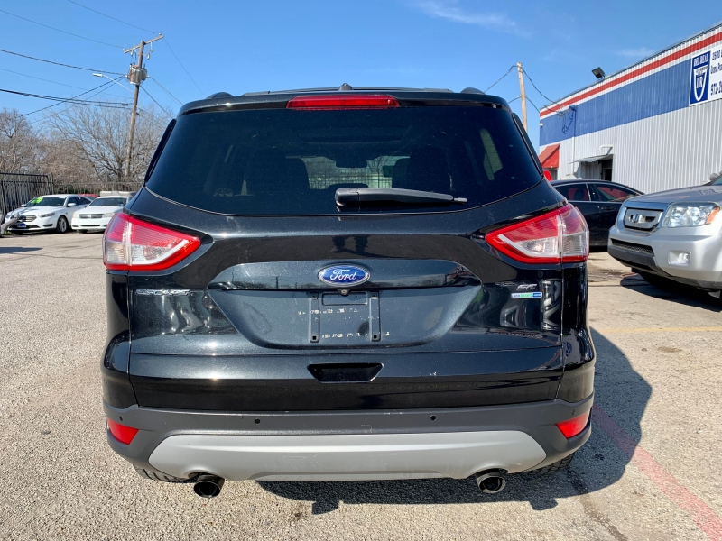 Ford Escape 2014 price $1,600 Down