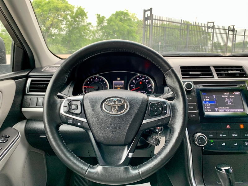 Toyota Camry 2015 price $1,900 Down