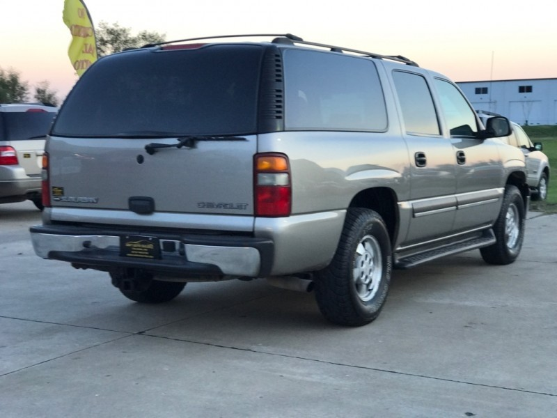 Chevrolet Suburban 2003 price $5,899 Cash