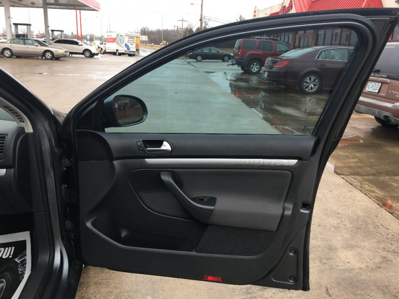 Volkswagen Jetta Sedan 2009 price $4,999 Cash