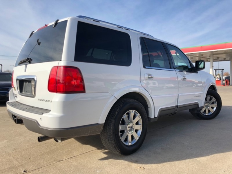 Lincoln Navigator 2004 price 1500 Down Payment