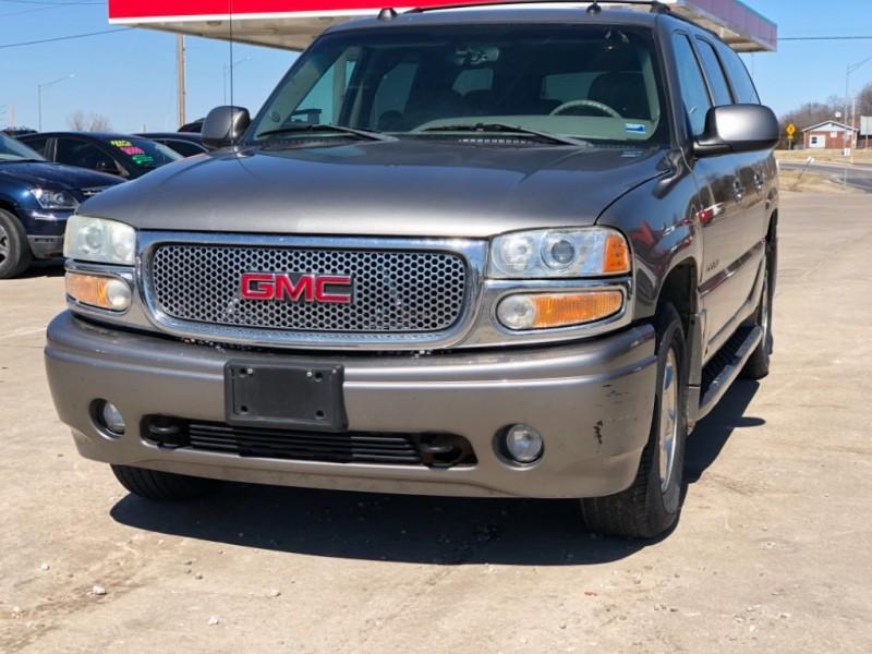 GMC Yukon XL Denali 2004 price $4,999 Cash