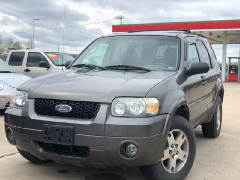 Ford Escape 2005 price $3,999 Cash