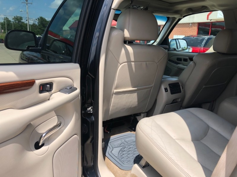 Cadillac Escalade 2004 price $6,999