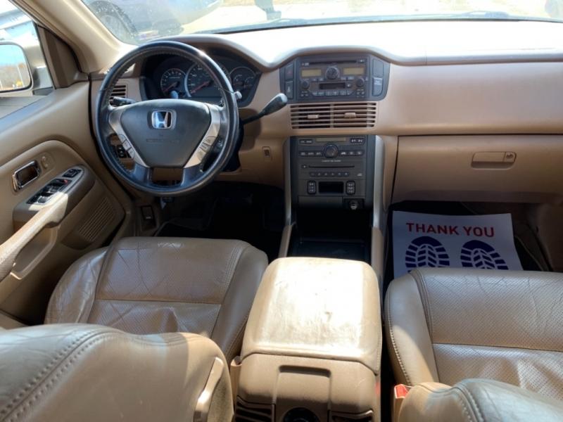 Honda Pilot 2005 price $3,999 Cash