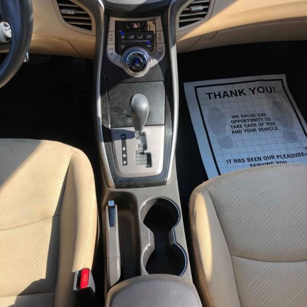 Hyundai Elantra 2013 price $6,300