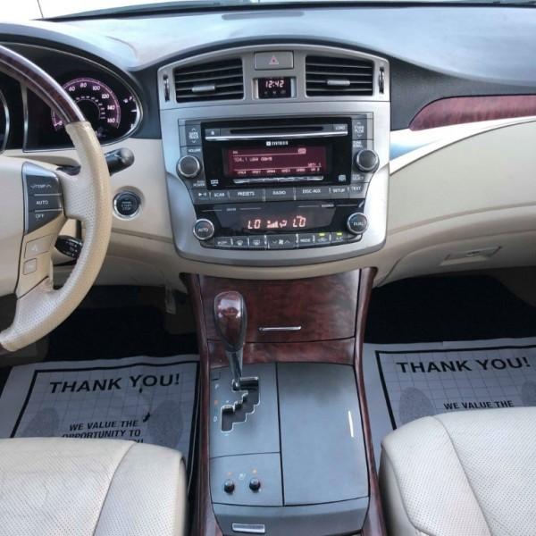 Toyota Avalon 2011 price $9,150