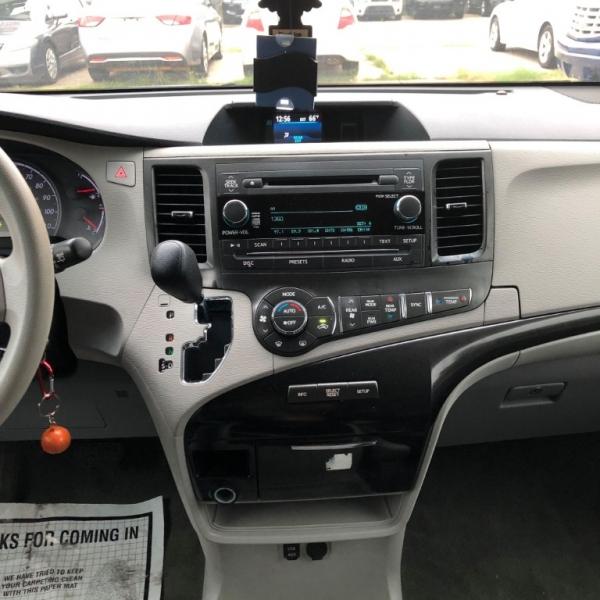 Toyota Sienna 2013 price $7,999