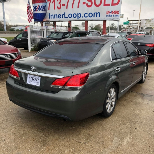 Toyota Avalon 2011 price $8,250