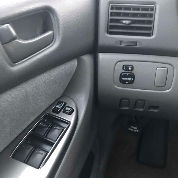 Toyota Sienna 2009 price $6,500