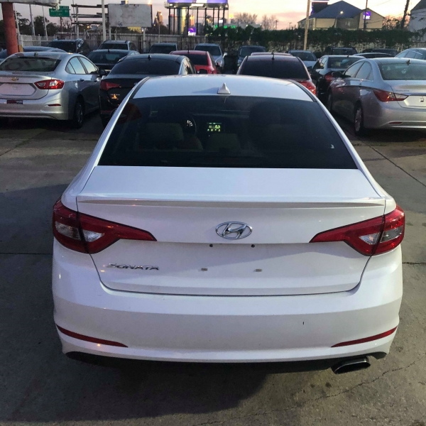 Hyundai Sonata 2016 price $9,388