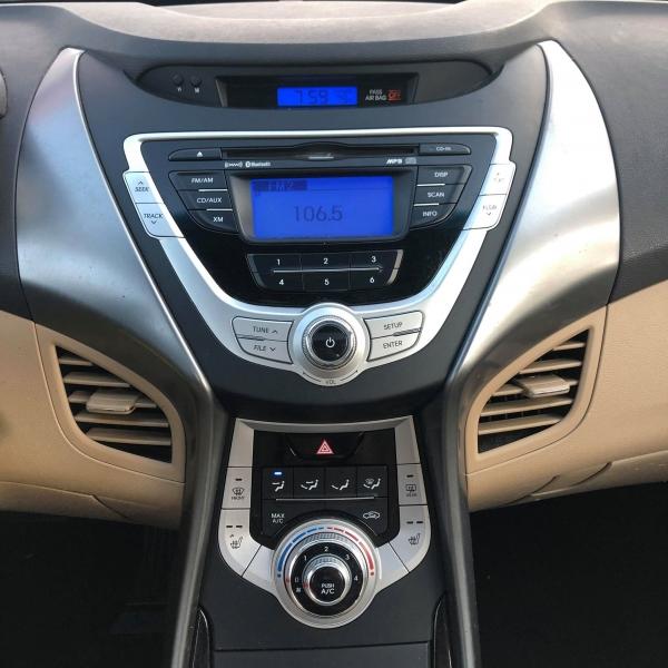 Hyundai Elantra 2011 price $5,250