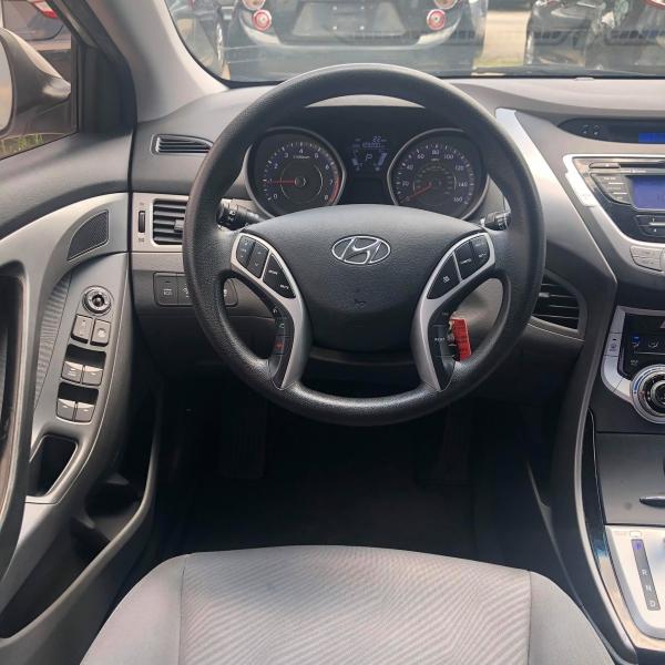 Hyundai Elantra 2012 price $5,250