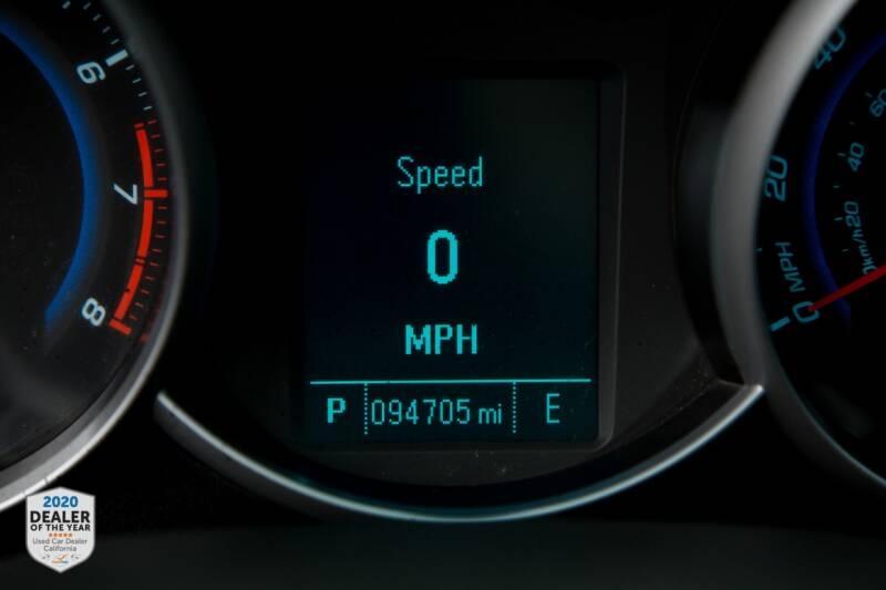 Chevrolet Cruze 2012 price $6,990